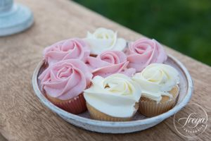 Mini-cupcakes-rozet-Sweet-Table-Deurne-botercremecupcake